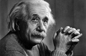アインシュタイン記念日.jpg